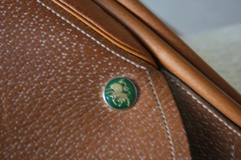 hunter-saddle-close-up